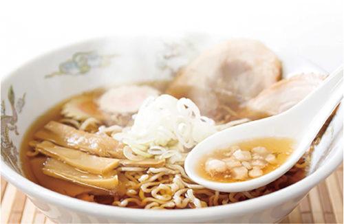「味力」溢れるスープ商品は主に地元庄内豚の豚骨を使用し、全国のラーメン店や大手即席麺メーカーでも使用。